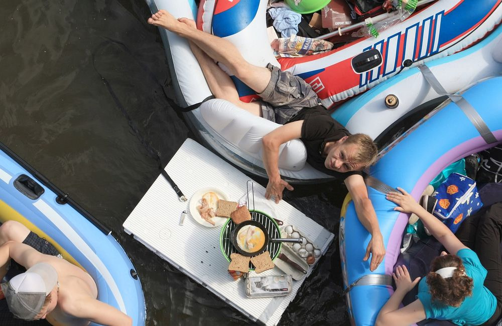 Floating BBQ