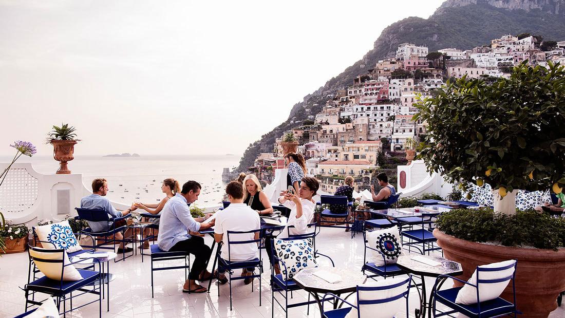 Alfresco terrace overlooking the sea