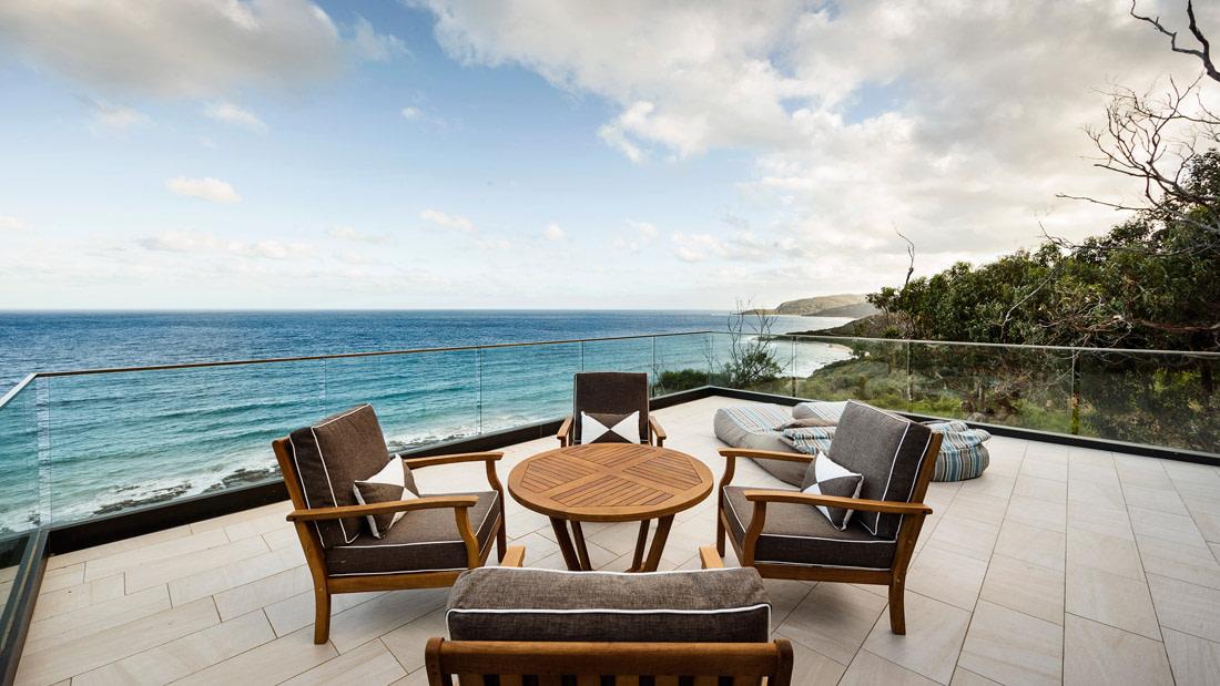 Furnished alfresco terrace