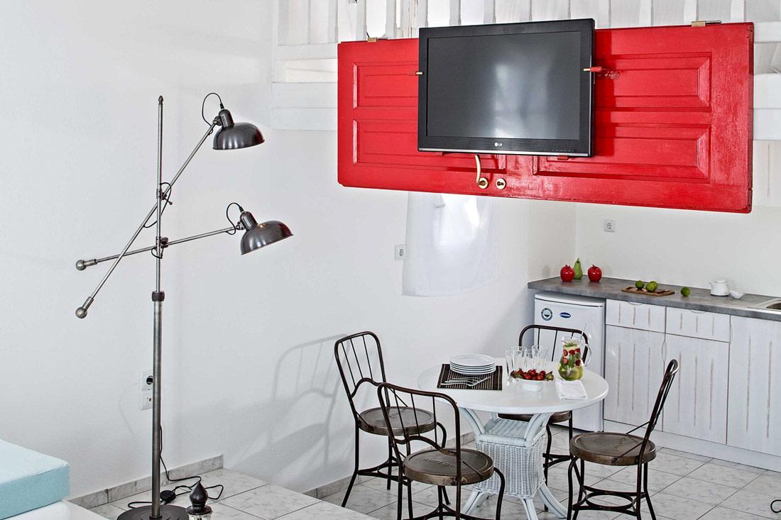 Ingenious TV stand