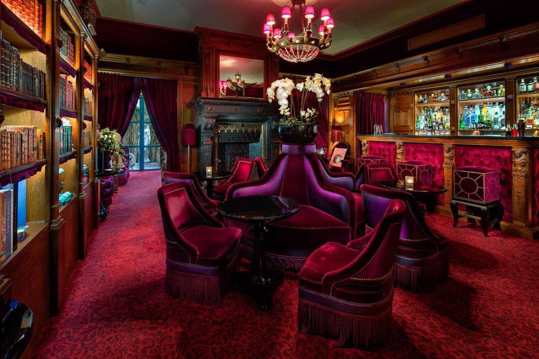 The salon of the Maison Souquet