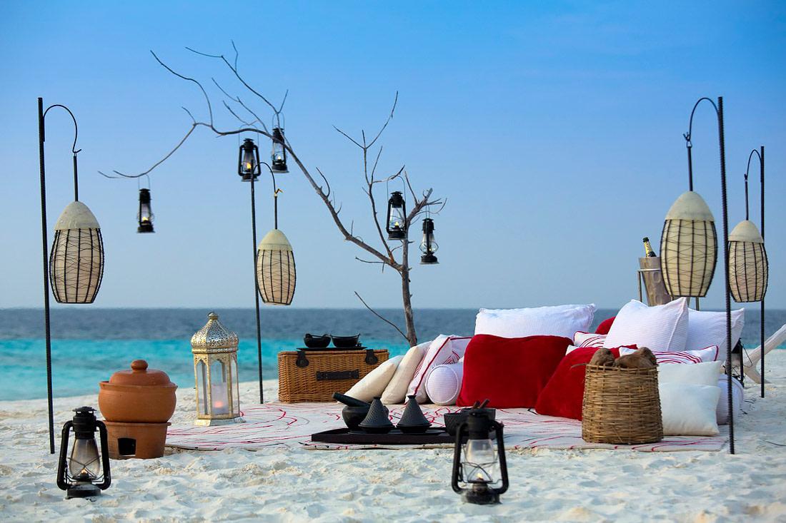 Gourmet beach picnic
