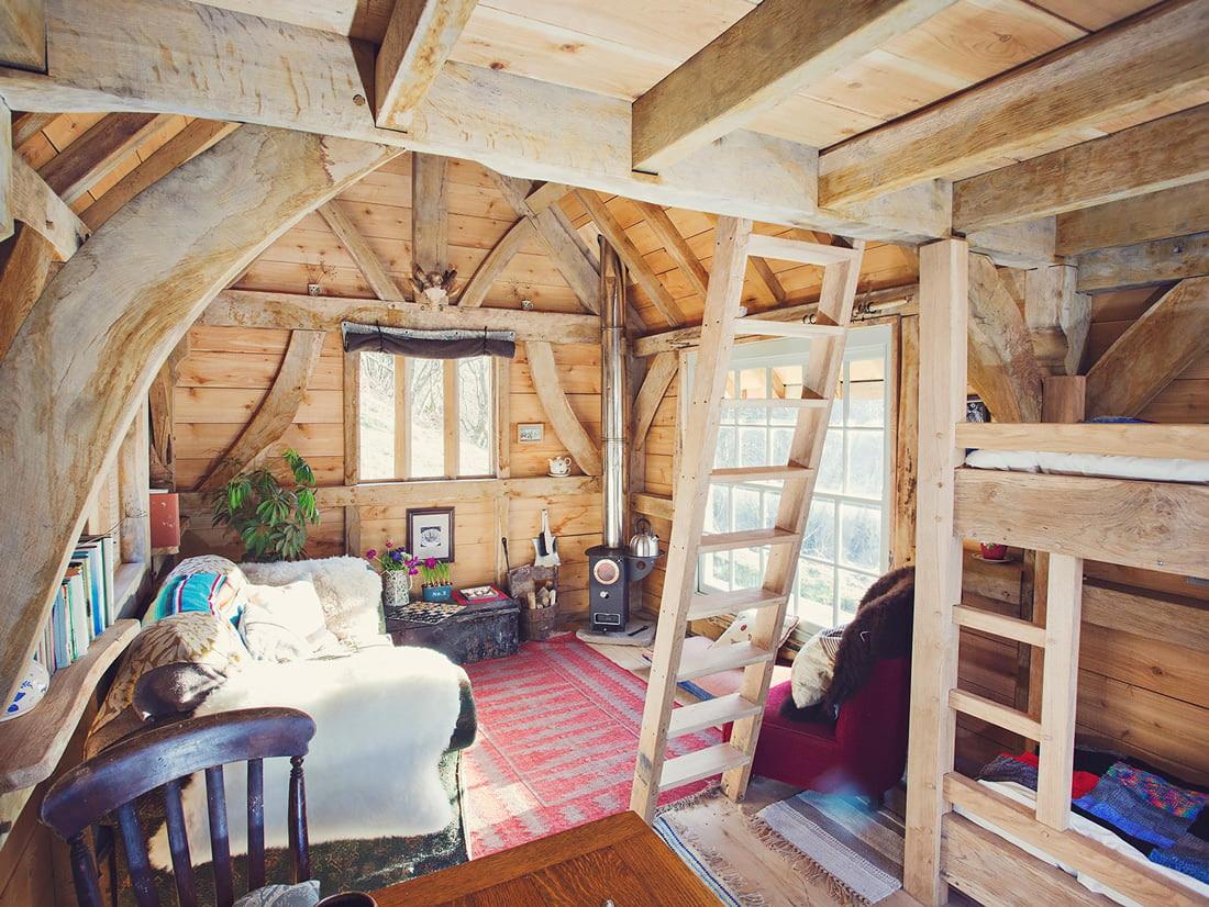 Cabin to rent in Crickhowell