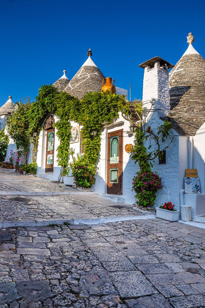 Alberobello,The Most Beautiful Town in Puglia
